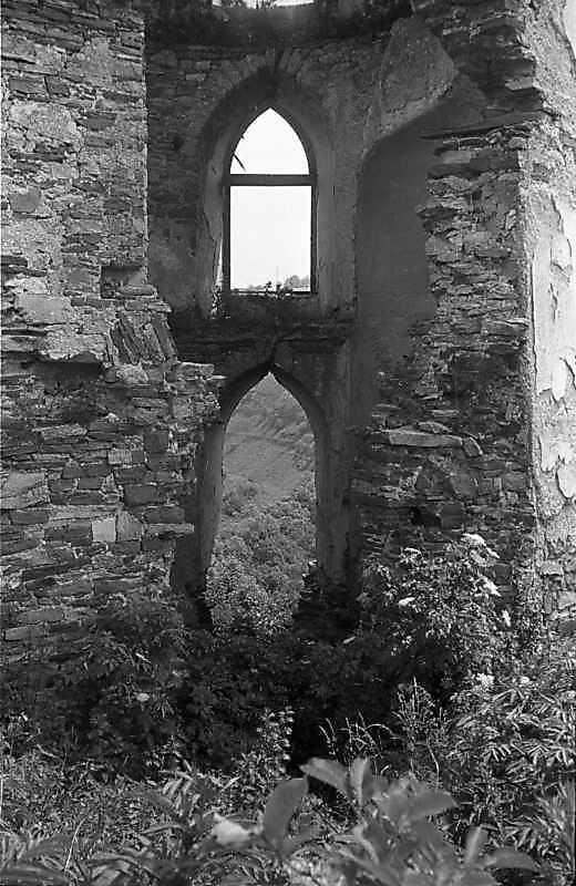 Інтер'єр башти крізь пролом