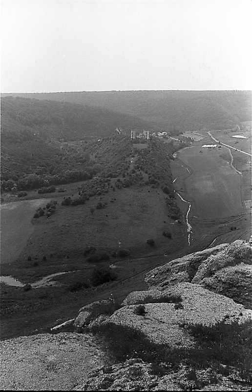 1988 р. Горб з палацом і костелом. Вигляд зі сходу