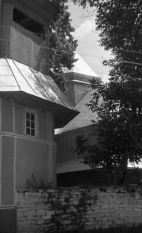 Дзвіниця і церква