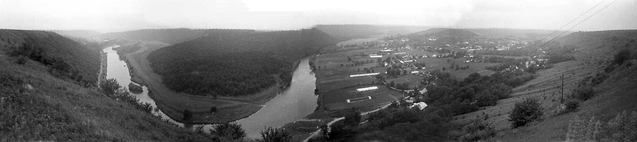 1988 р. Панорама луки Збруча біля с.Щитівці. Вигляд з північного сходу