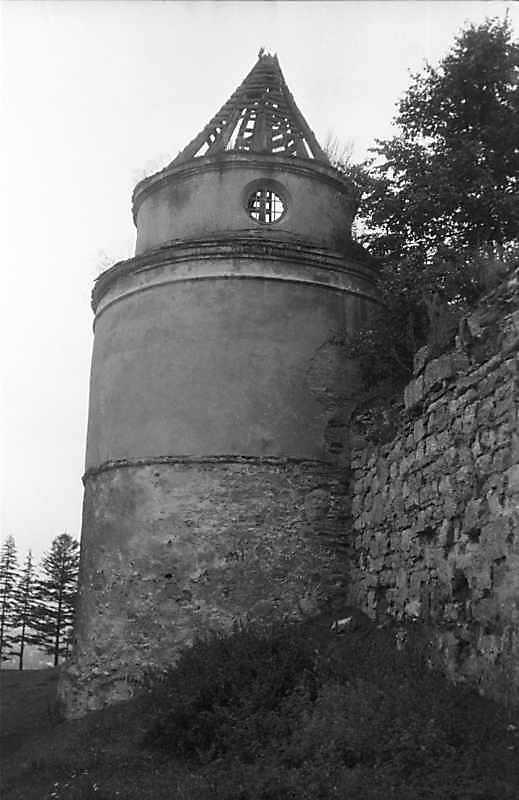 1988 р. Башта південного муру. Вигляд зі сходу