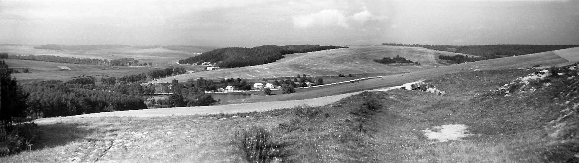 1988 р. Панорама долини р.Ікви між селами Лопушно і Лосятин