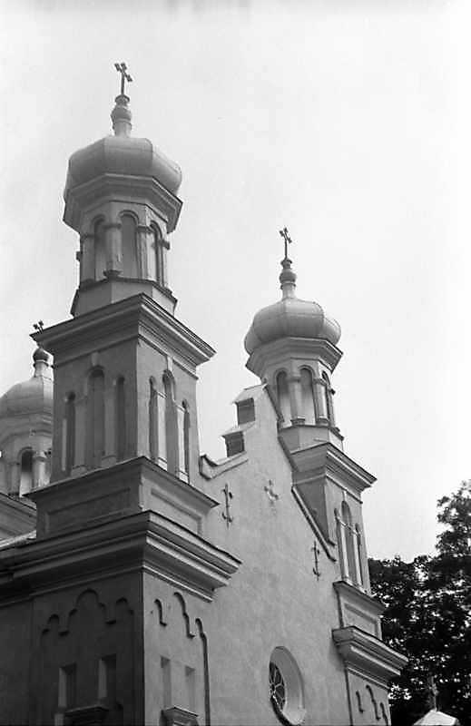 1989 р. Фронтон західного фасаду.…