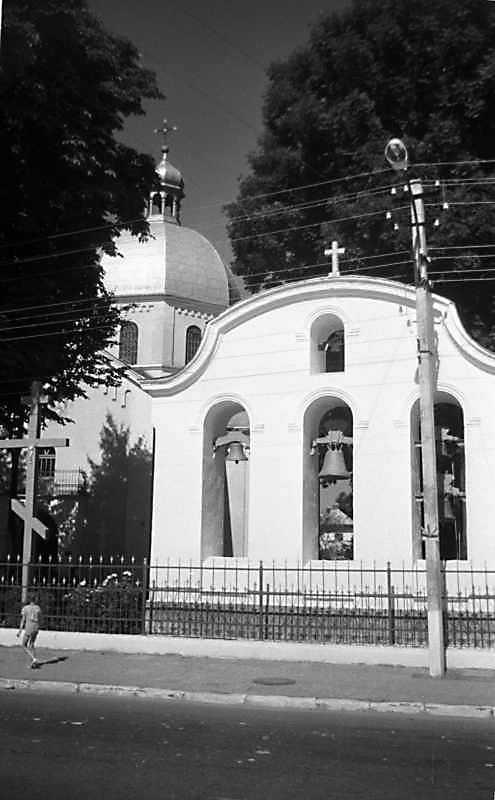 1989 р. Церква і дзвіниця. Вигляд з позиції С3
