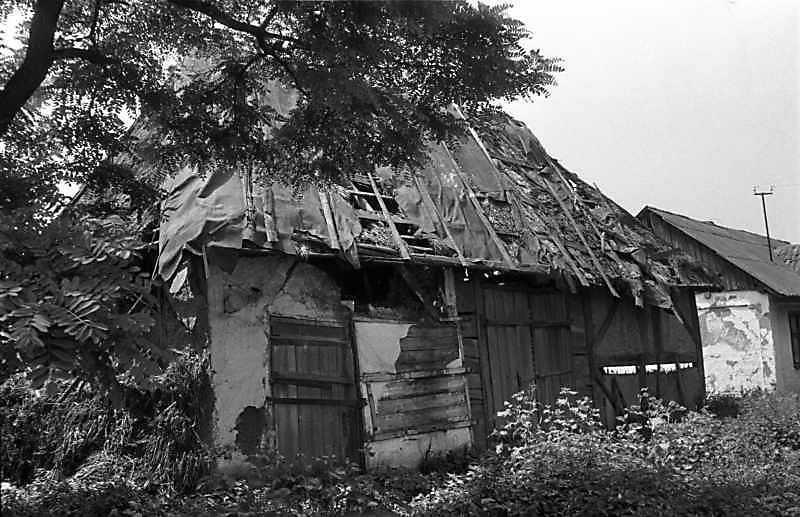 1989 р. Повітка в селі руйнується
