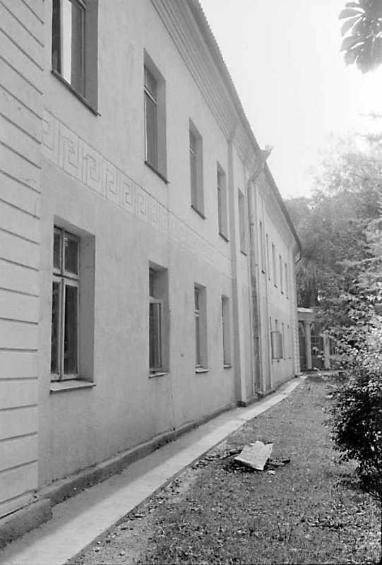 1989 р. Флігель