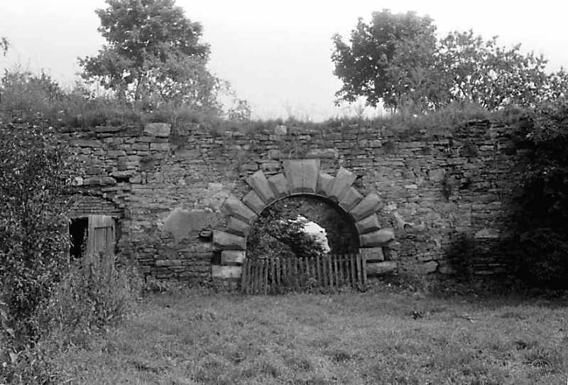 1989 р. Східна брама. Вигляд з боку двора, із заходу