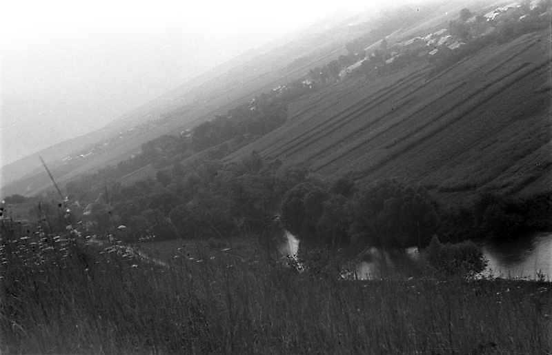 1989 р. Вид ріки Серет під монастирем