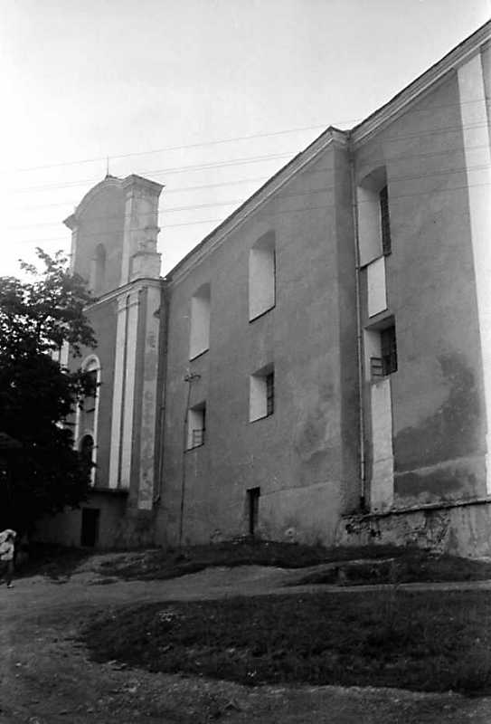 Костел і корпус 2