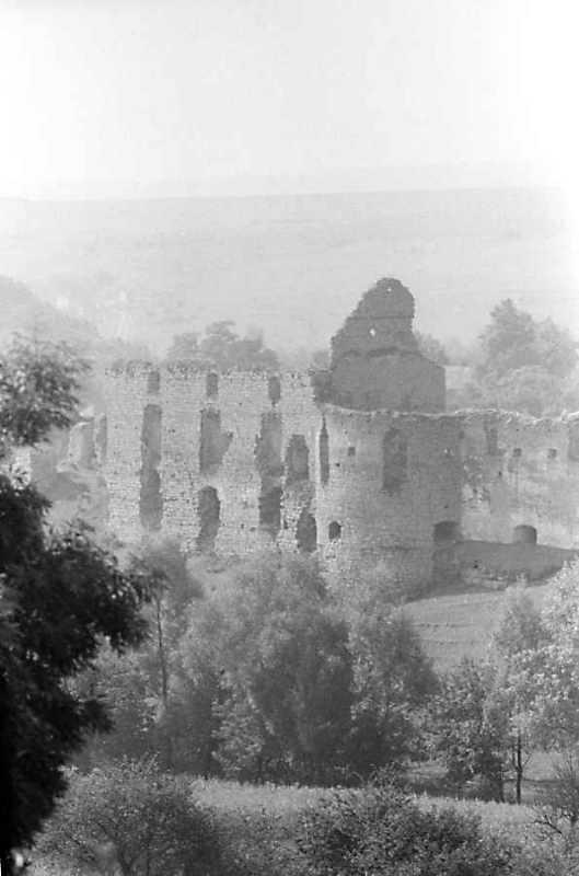 Мур 3 і башта 2