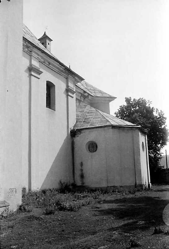 1989 р. Бічний фасад і каплиця. Вигляд з позиції А3