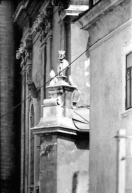 1989 р. Західний фасад у ракурсі. Вигляд з півдня