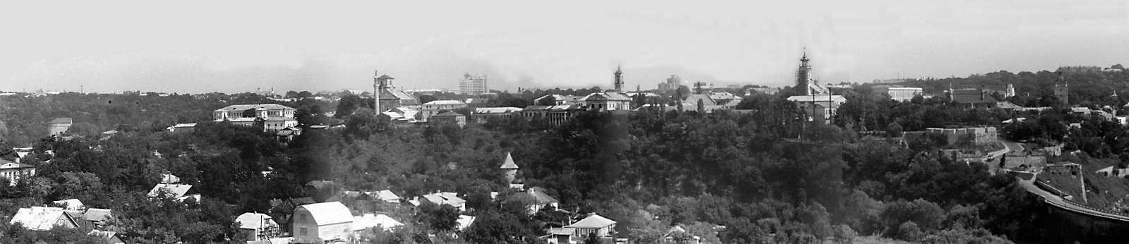 1989 р. Панорама Старого міста із заходу, з Нового замку