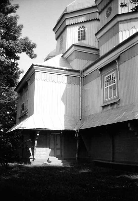 1990 р. Північний фасад в ракурсі. Вигляд із заходу