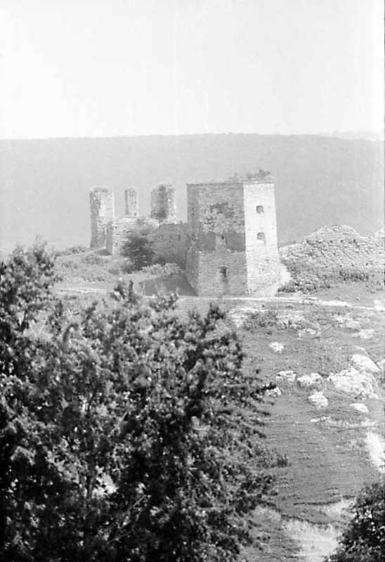 1991 р. Північна і західна башти. Вигляд із заходу