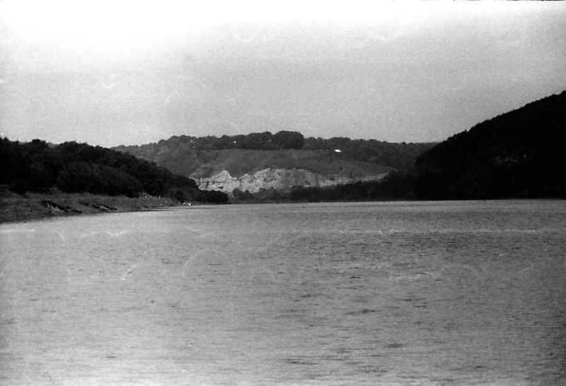 1991 р. Вид на гору з церквою і городищем у с. Дзвенигород