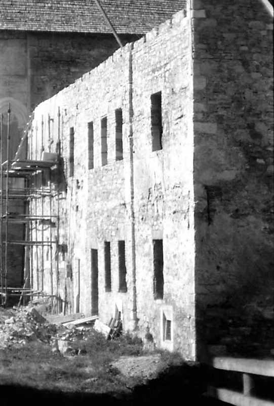 1991 р. Західний фасад у ракурсі.…