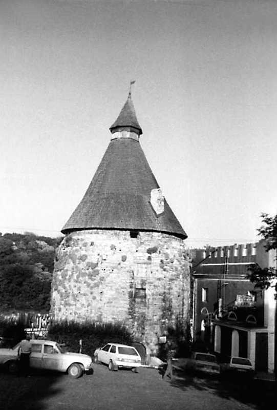 1991 р. Гончарська башта. Вигляд із…