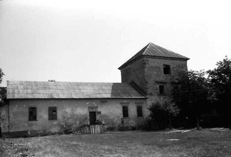 1991 р. Корпус 2 і надбрамна башта. Вигляд з південного заходу