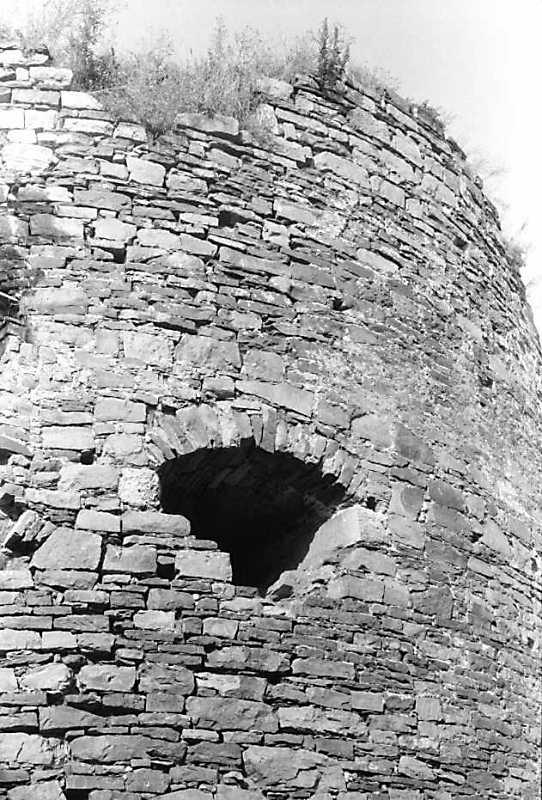 Бійниця середнього ярусу башти 4