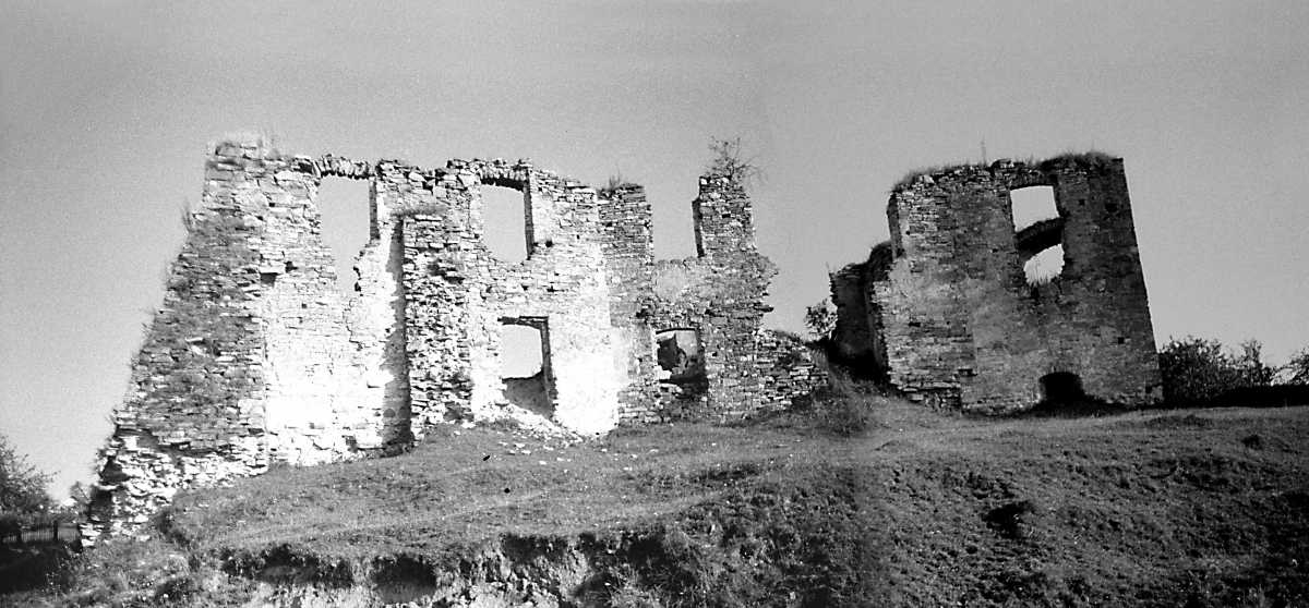 1991 р. Башта 2, палац 3 і башта 4.…