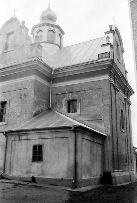 1991 р. Нава та вівтар. Вигляд з південного сходу