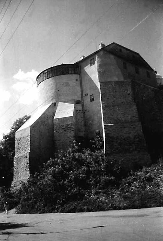 Вежа мурована