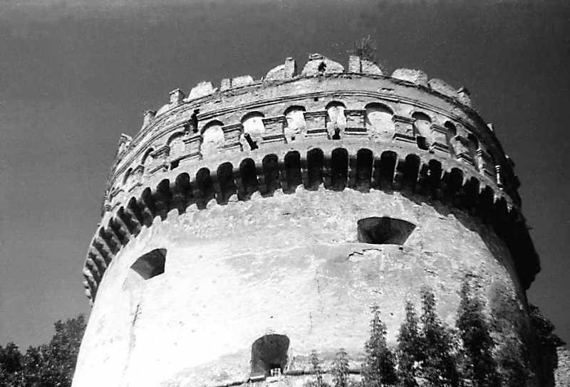 1991 р. Верхня частина. Вигляд зі сходу