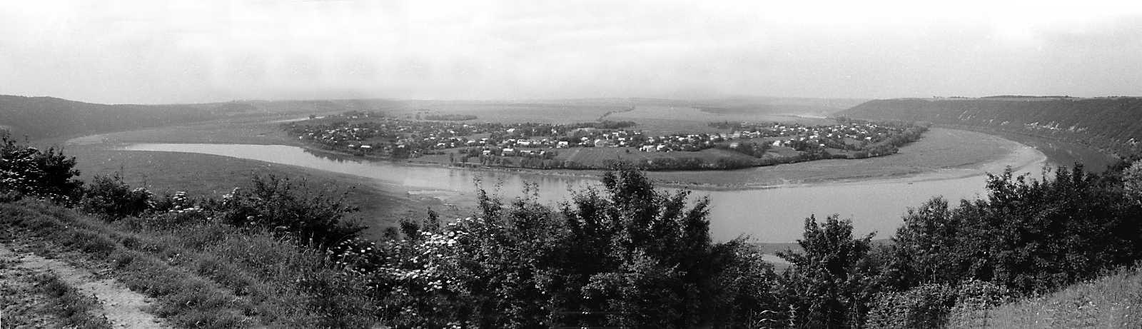 1992 р. Панорама с. Горигляди з…