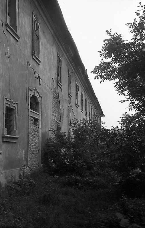 1992 р. Східна стіна корпусу келій. Вигляд з позиції А2