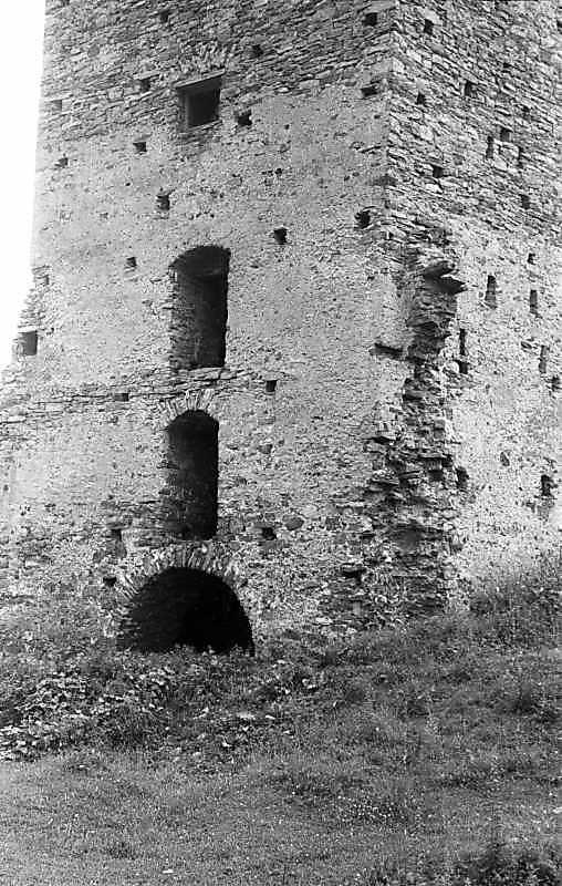1992 р. Башта. Нижня частина. Вигляд з південного сходу