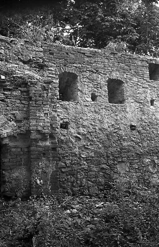 1992 р. Фрагмент південного муру з…