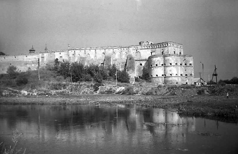 Палац і східна башта
