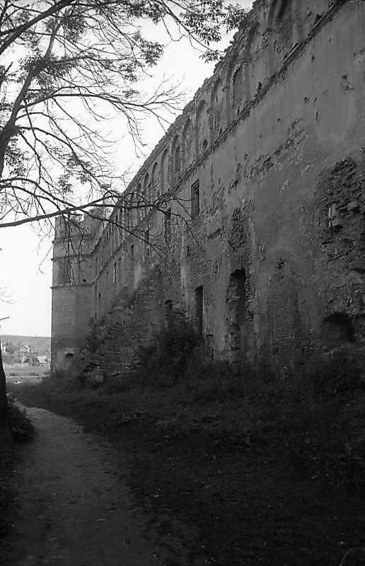1993 р. Північне прясло східної стіни.…