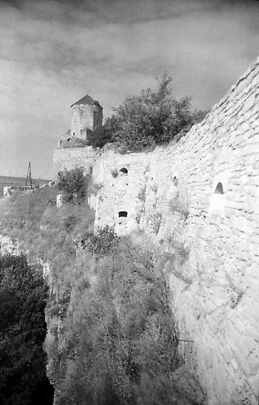 1995 р. Папська башта і передмостові…