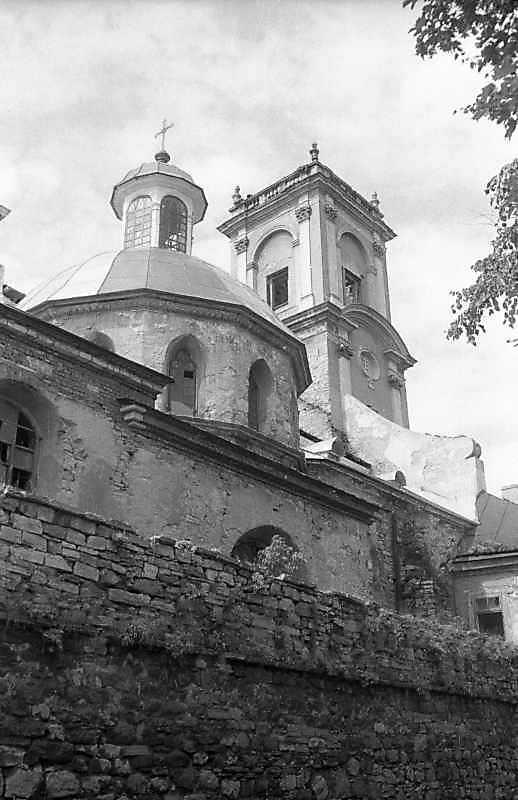 1995 р. Півнінча каплиця і башта.…