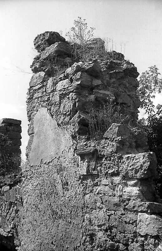1995 р. Фрагмент західного фасаду. Вигляд з південного заходу