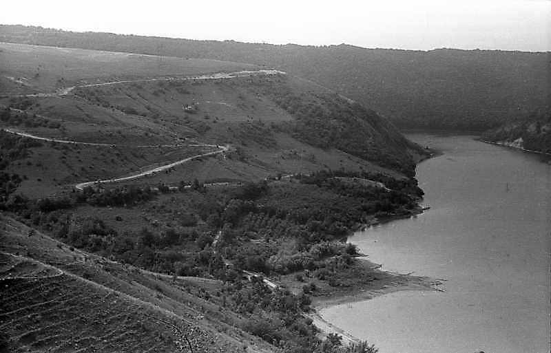 1995 р. Східний бік долини р. Тернава. Вигляд з півночі