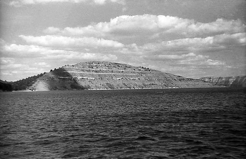 1995 р. Біла гора над гирлом…