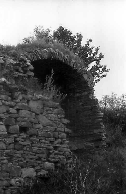 1996 р. Башта 2. Арка проїзду з боку…