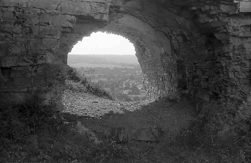 1996 р. Брама у мурі 5. Вигляд зсередини, зі сходу