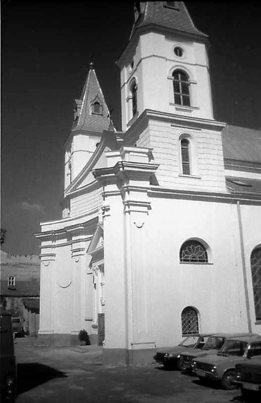 1997 р. Головний фасад у ракурсі