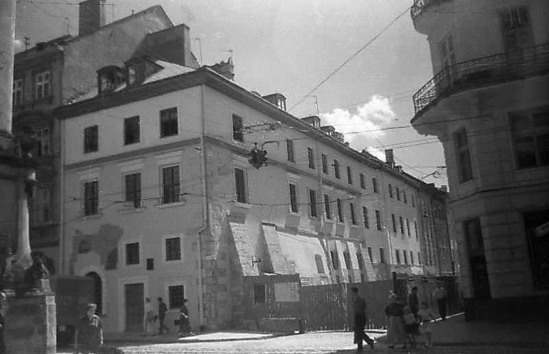 1997 р. Загальний вигляд Ліворуч – вул.Руська, праворуч – вул.Сербська)
