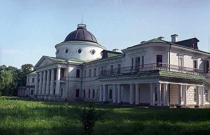 Ліва частина (західний фасад)