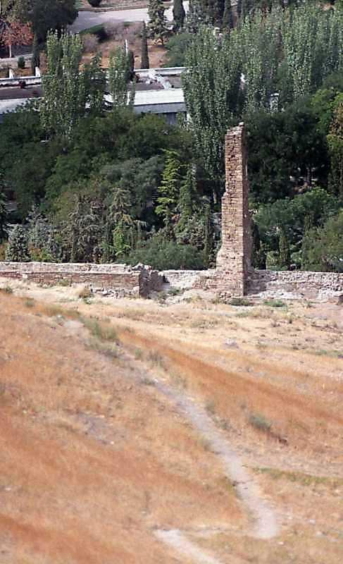 2001 р. Загальний вигляд зі сходу, від храму на консолях
