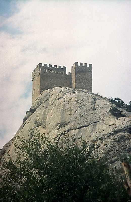 2001 р. Консульський замок. Вигляд зі сходу