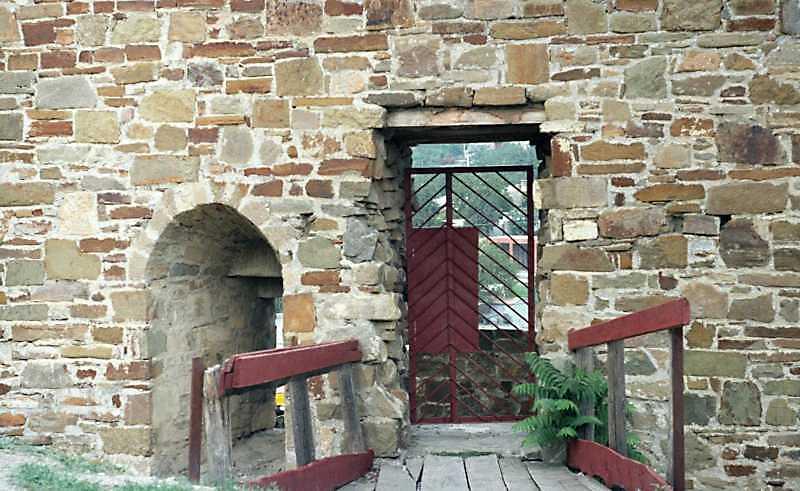 Фіртка між баштами Бернабо діФранкі ді…