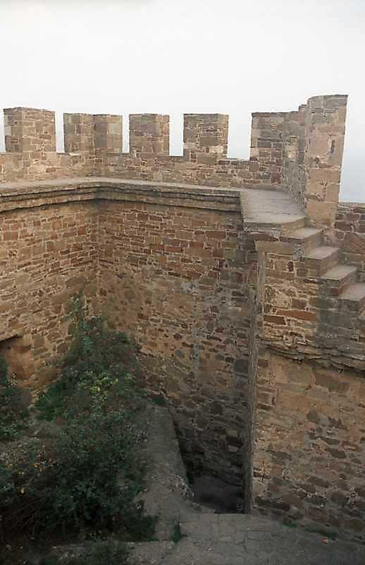 2002 р. Південно-східний виступ муру. Вигляд з північного заходу