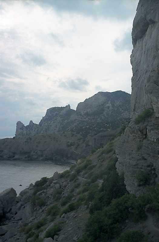 Вид на гору Караул-Оба зі сходу
