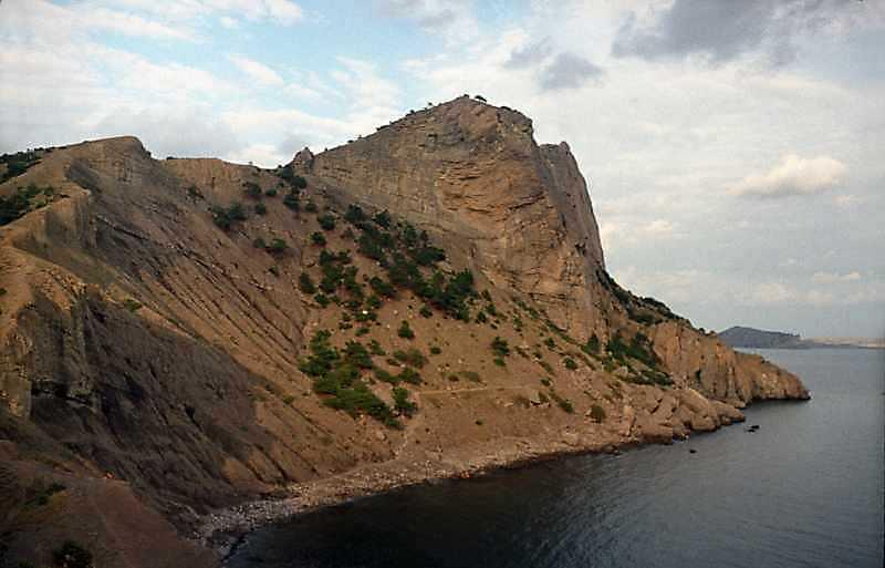 2002 р. Гора Орел над морем на тлі…